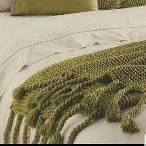NORDSTROM Chunky knit throw olive/ brown fringed